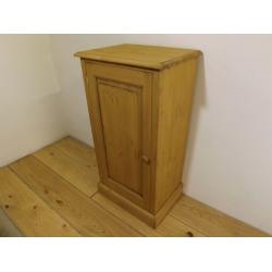 1 door freestanding pine cupboard. W46cm.