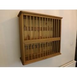 Pine wall 28 plate rack. W70cm.